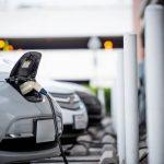 Aufladen von Elektrofahrzeugen an der Ladestation