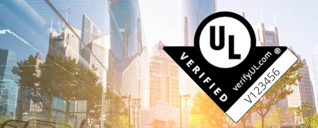 UL Verified Prüfzeichen vor verschwommenem Hintegrund